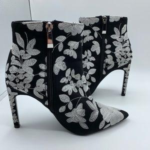 Zara Trafaluc Floral Embroidered Black/White Heels